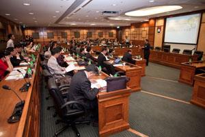 The symposium was held at HKU's Council Chamber