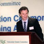 Awardee Dr. David Pomfret shares his teaching philosophies (6 Sep 2012)